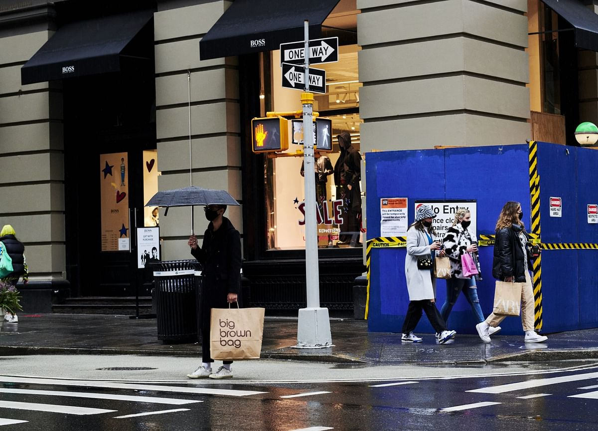 N.Y. Fed Says U.S. Consumers Expect 4% Inflation to Stick Around