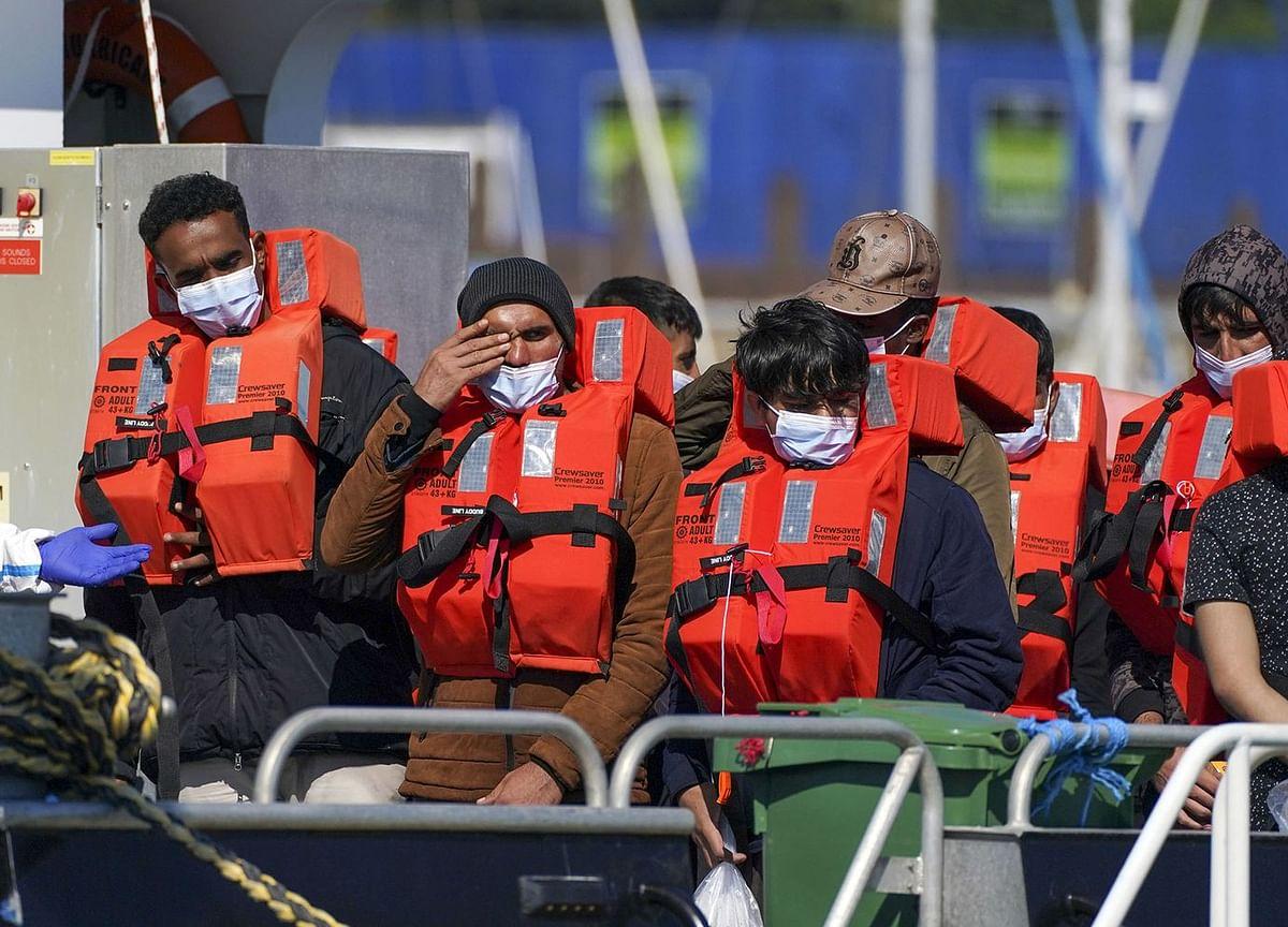 France Accuses U.K. of 'Blackmail' Over Migrant Crossings