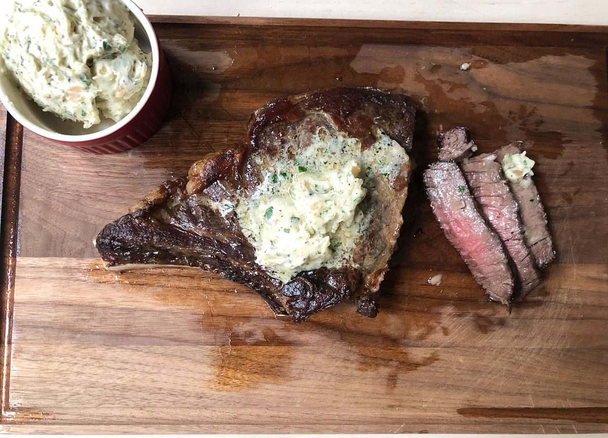 """Star Chef Andrew Carmellini Shares His Secret to """"Re-Aging"""" Steak"""