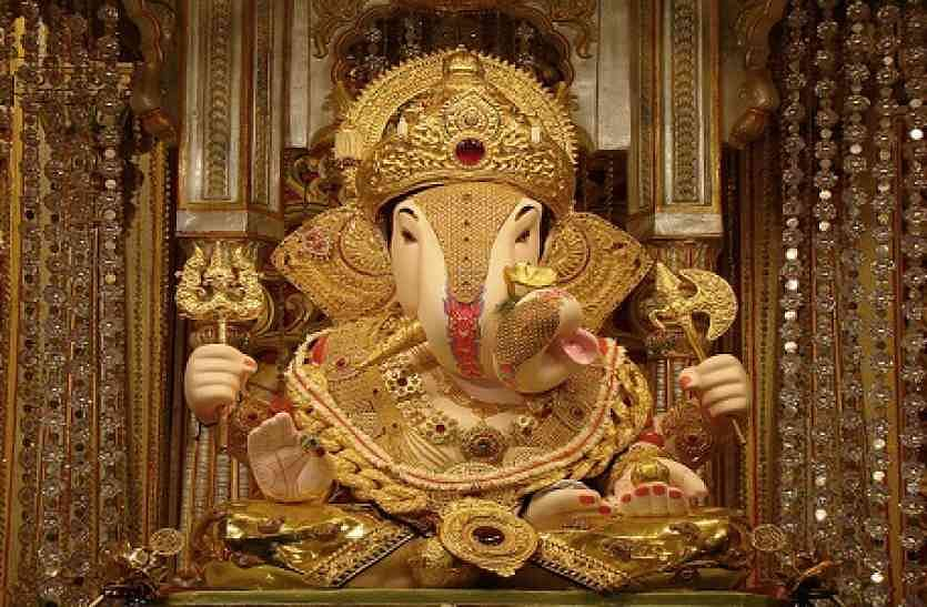 The deity of Lord Ganesh at Pune's most famous temple, Shreemant Dagdusheth Halwai Ganesh mandir. Notice the modak in His lower left hand.