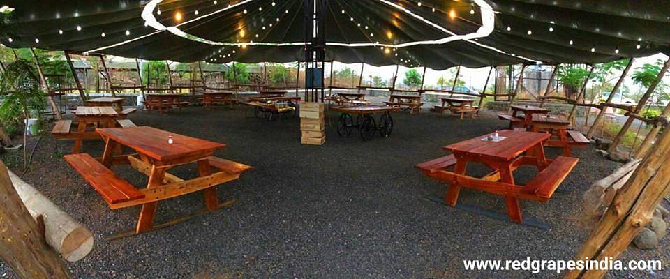Outdoor restaurant at WIC