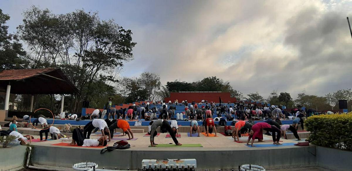 Conducting a yoga retreat