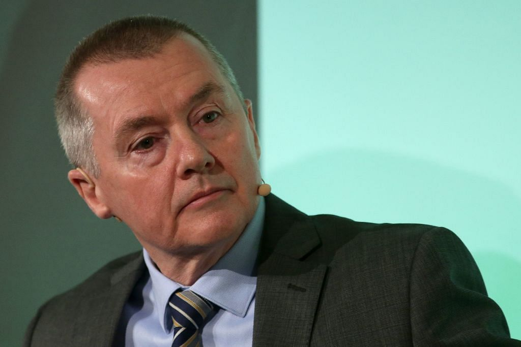 IAG boss Willie Walsh to take pay cut amid <b>coronavirus</b> strife