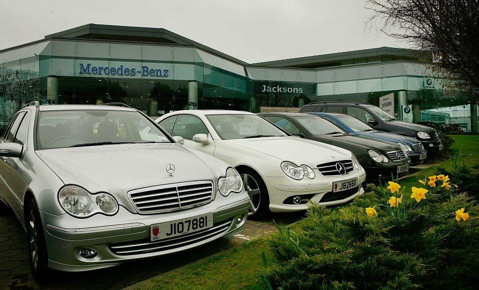 Coronavirus: UK car registrations decline more than during 2008 financial crisis