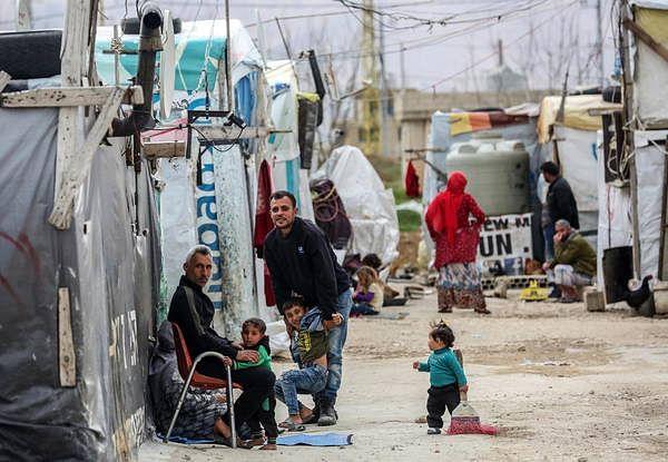 Coronavirus: Syrian refugee sets himself on fire in Lebanon