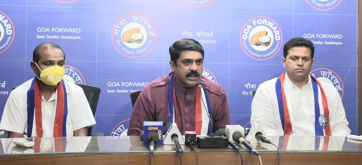 Goa: Other corporators beside Dayesh Naik while speaking at the press conference