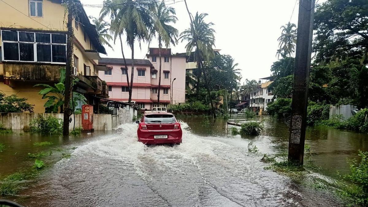 Goa: पंचायतीच्या  नियोजनाअभावी ताळगाव परिसर पाण्याने तुंबला...