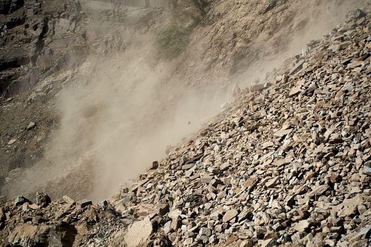 Raigad landslide: रायगडवर आभाळ फाटलं; दरड कोसळून ३६ जणांचा दुर्दैवी मृत्यू