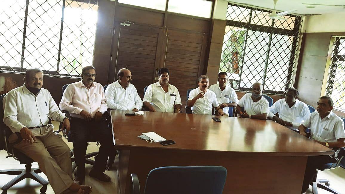 Goa: राष्ट्रीय महामार्गाच्या दुरावस्थेला माजी साबांखा मंत्री सुदिन ढवळीकर जबाबदार