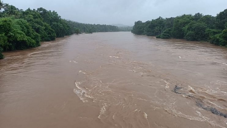 Water seeped into office of the Vasco Civil suplies Department Goa