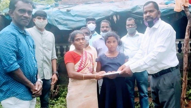 Goa: दलित महासंघातर्फे पिसुर्लेतील अनुराधा परवार ला आर्थिक मदत