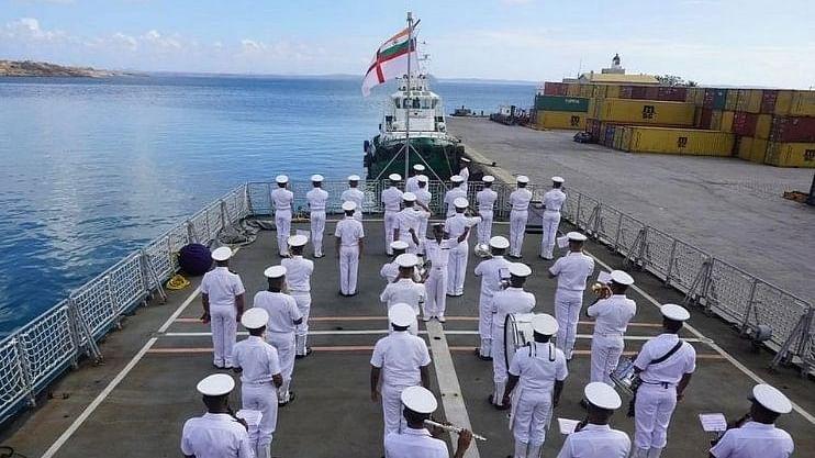 Navy Recruitment 2021: 10 वी पास विद्यार्थ्यांसाठी भारतीय नौदलात भरती