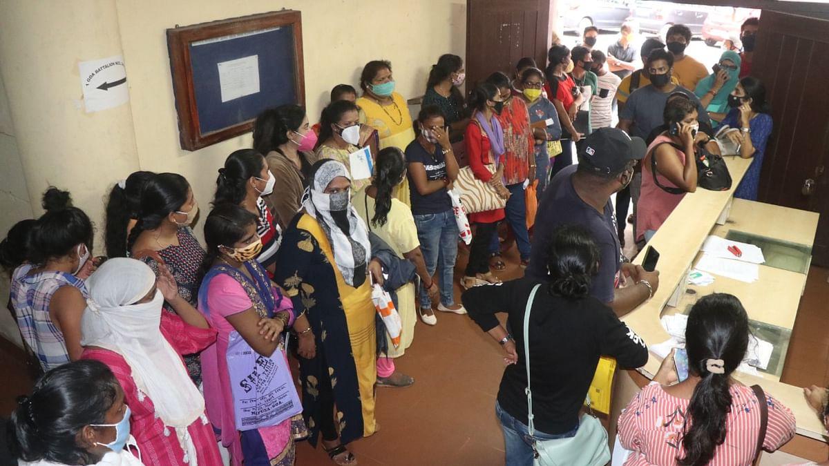 Goa: लाडली लक्ष्मी' स्वीकृतीपत्रांसाठी कार्यालयात तोबा गर्दी