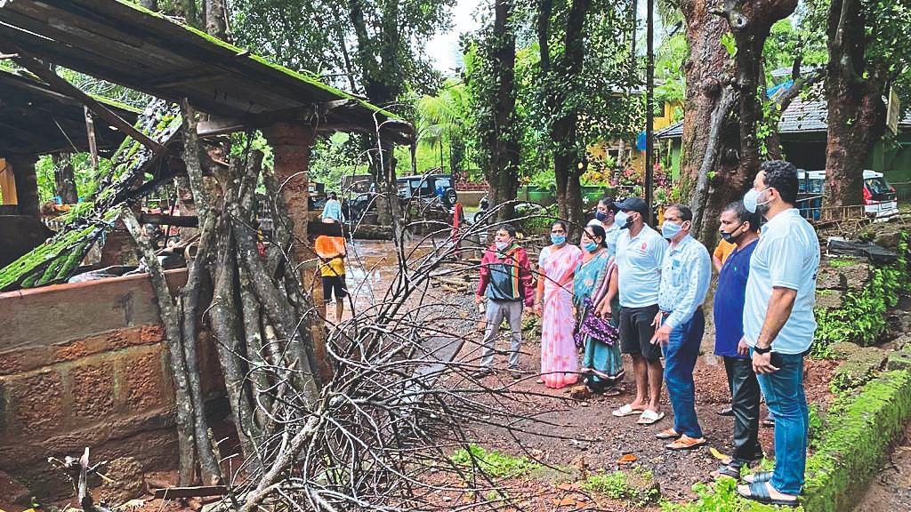 Goa flood: गिरीश चाेडणकर यांची वाळपईत पुरग्रस्त भागाची पाहणी
