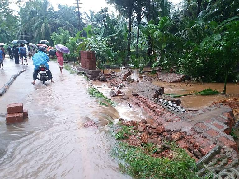 Goa: घोटेली पुलावरून पाणी गावात