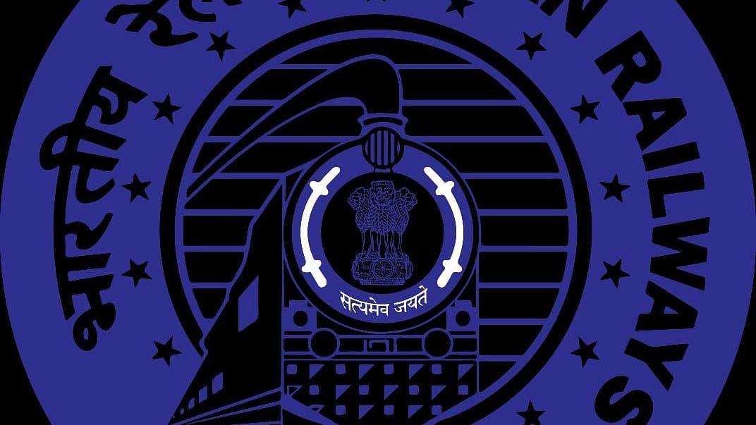 Goa: दक्षिण - पश्चिम रेल्वे मार्गावर रेल्वे  वाहतूक सुरू, कोंकण रेल्वे मार्गही खुला