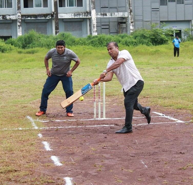 Goa Sports: फुटबॉलपटू ब्रुनो यांचे क्रिकेट कौशल्य!