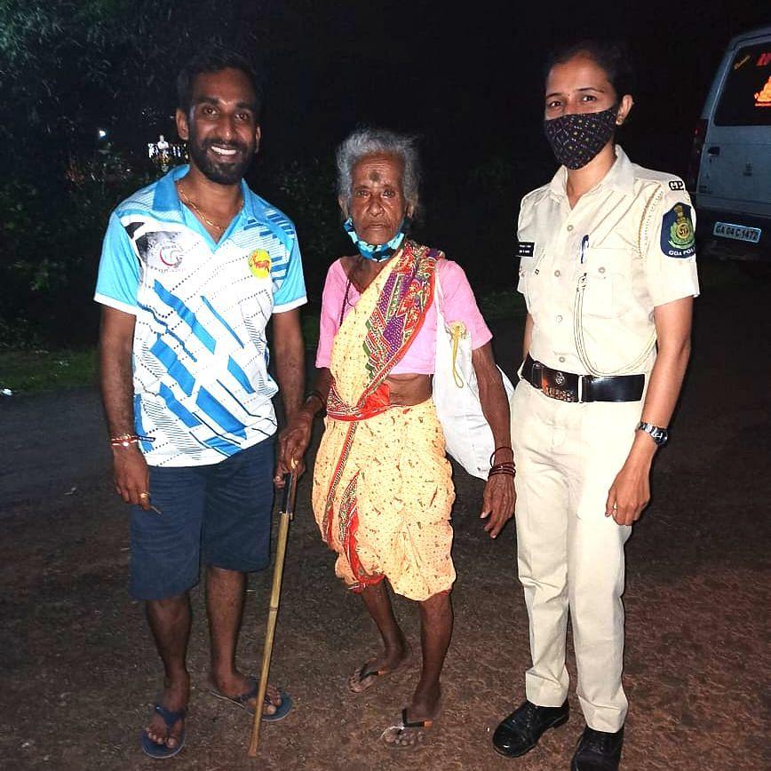 Goa: भ्रमिष्टांवस्थेतील वृद्ध महिलेस हणजुण पोलिसांनी पोहोचवले मुळ गांवी