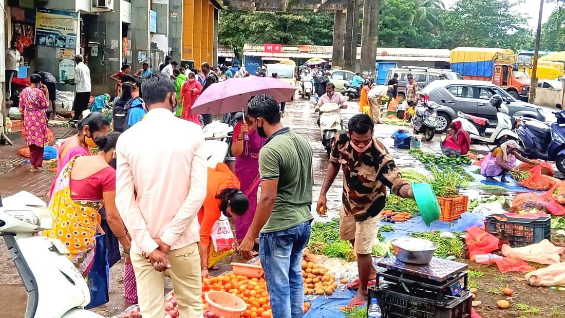 Goa: संचारबंदीतही डिचोलीत साप्ताहिक बाजार