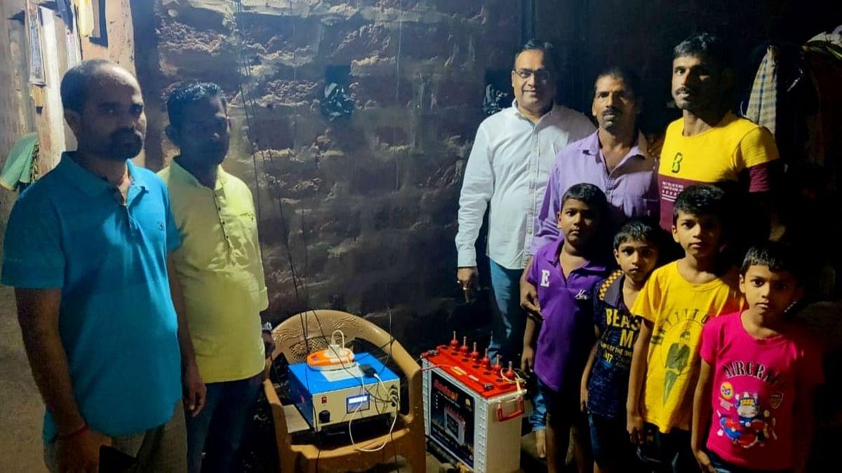 Goa : Ponda: Giving information about the schemes started by Goa Bagayatdar by Adv. Narendra Sawaikar. Along with Nitin Samant and Ulhas Umre.