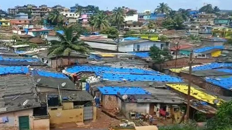 Goa : कळंगुटला झोपडपट्टीवासीयांचा होतोय जाच