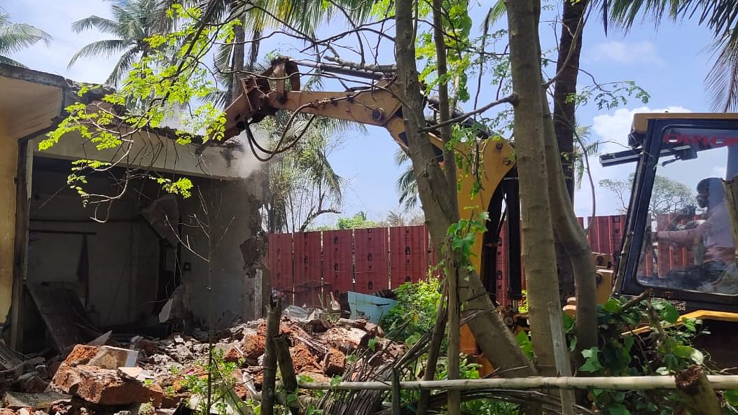 Goa : कांदोळीत बांधकामांवर हातोडा!