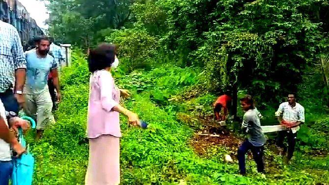 Goa: दुहेरी ट्रॅकसाठी कासावली येथील खांबांची बेकायदा उभारणी रोखली