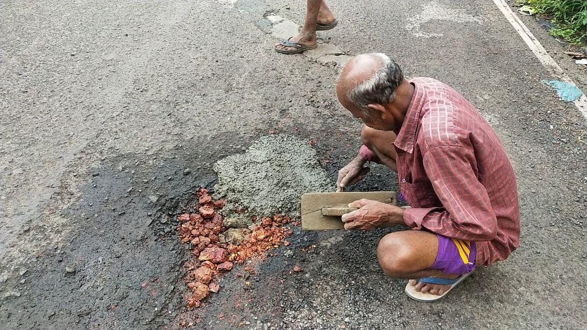 रस्त्यावरील खड्डे बुजवण्यास गोवा सरकार अपयशी