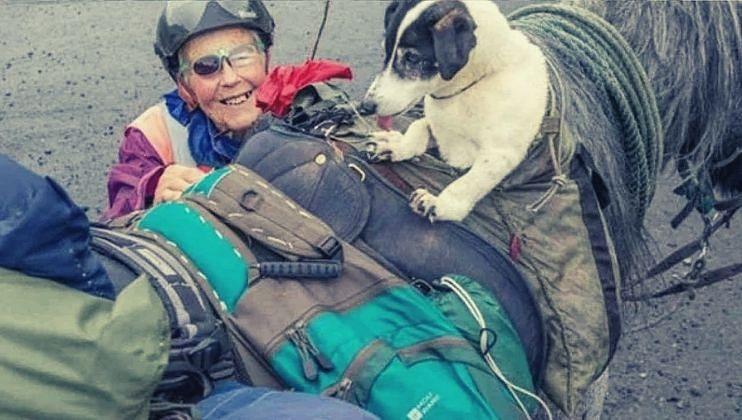 80 वर्षांची 'ही' आजी दरवर्षी 600 मैल घोड्यावर बसून करतेय प्रवास