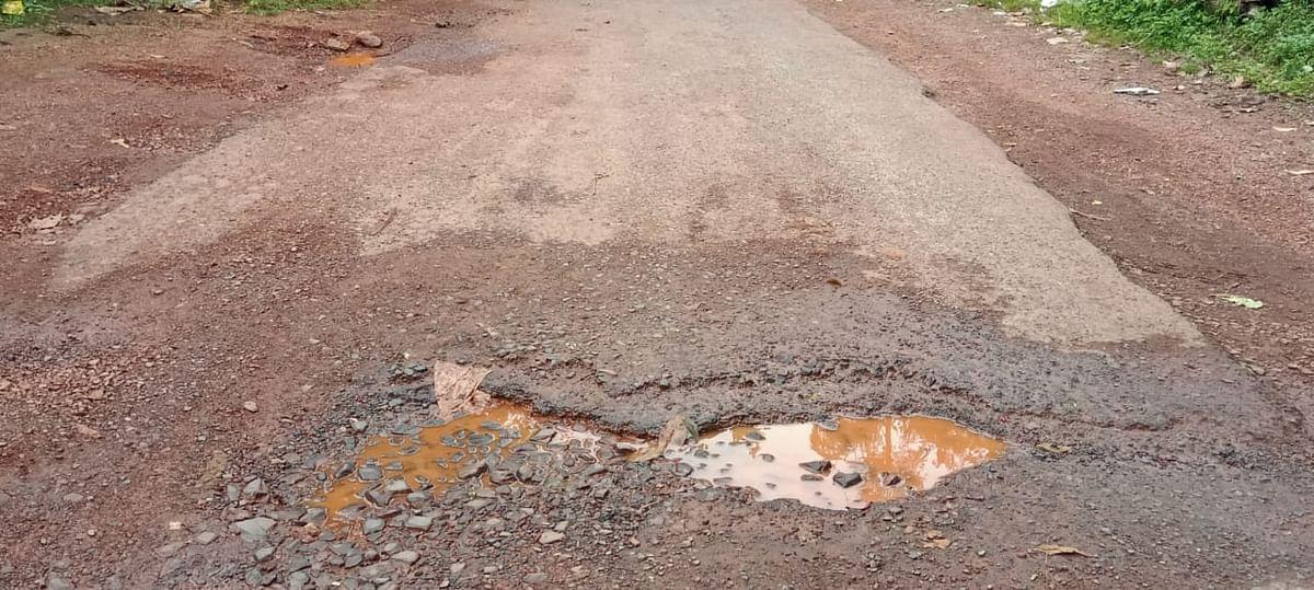Goa: मये पंचायत क्षेत्रातील हातुर्ली-तिखाजन रस्ता बनला खड्डेमय