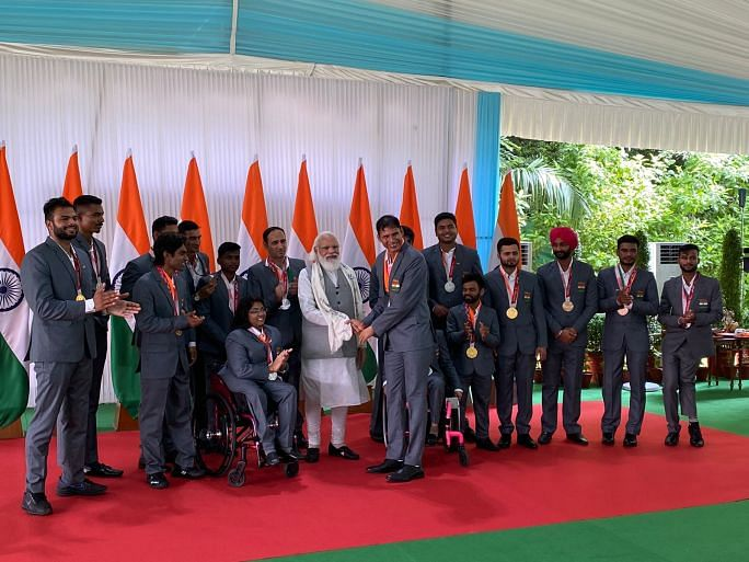 PM Modi with Indian Paralympic stars