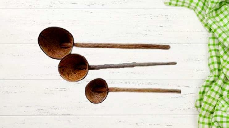 गोव्यात जेवण बनवण्यासाठी काही ठिकाणी अजूनही नारळापासून बनवलेली 'दवली' वापरली जाते