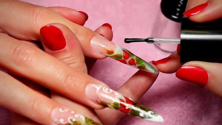 Follow these super tips to give a glossy nail polish a matte look