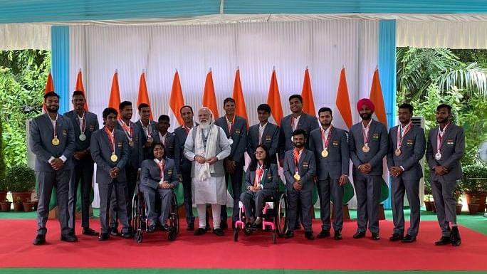 Check Pics: पंतप्रधानांची पॅरालिम्पिक चॅम्पियन्सच्या पाठीवर कौतुकाची थाप