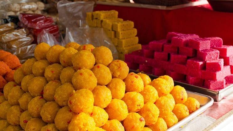 Ganesh Chaturthiच्या मुहूर्तावर गोव्यातील स्वीट मार्टवर कारवाई
