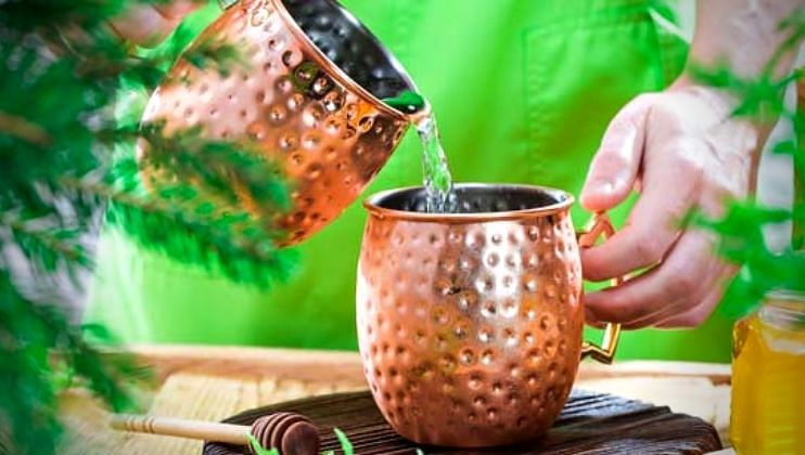 'Copper Water' चे काय आहेत फायदे