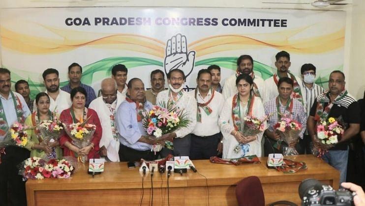 Goa: माजी महापौर टोनी रॉड्रिग्ज यांनी कार्यकर्त्यांसह केला काँग्रेसमध्ये प्रवेश