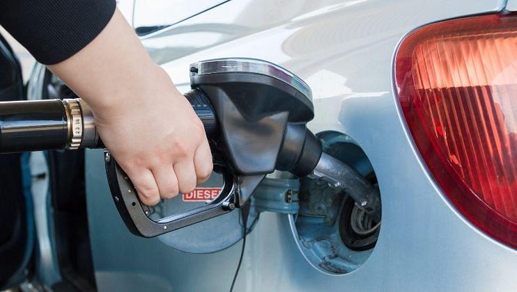 पेट्रोल आणि डिझेलच्या किंमतीत आज पुन्हा वाढ