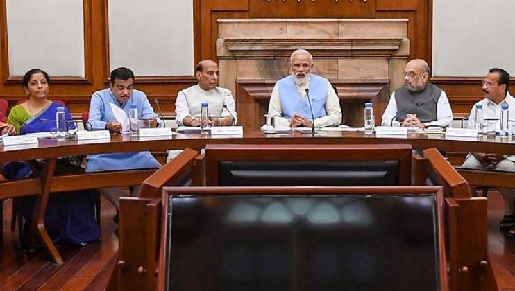 वस्त्रोद्योगासाठी 10683 कोटी रुपयांचं पॅकेज, मंत्रिमंडळाची घोषणा