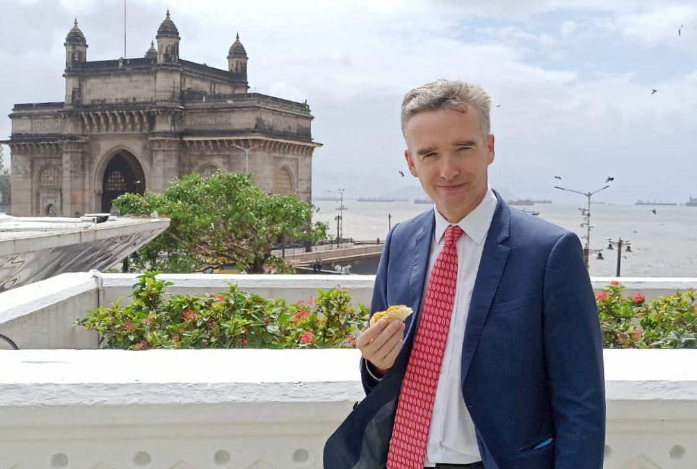 ब्रिटीश कमिश्नर भारतीय खाद्यसंस्कृतीच्या प्रेमात