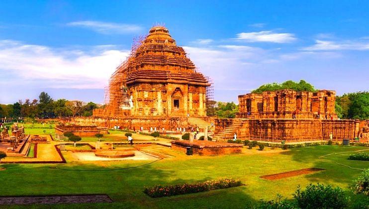 World Tourism Day: भारतामध्ये काय आहे? म्हणनाऱ्यांनी एकदा फिरून बघाच!
