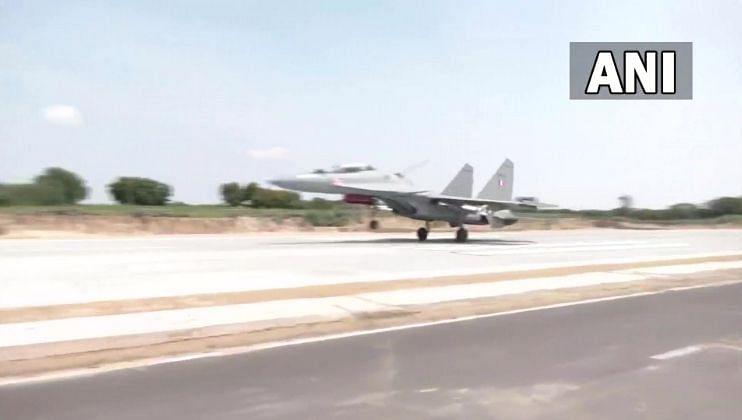 भारत-पाक सीमेवर वायुसेनेची आता करडी नजर,घुसखोरांना बसणार चाप