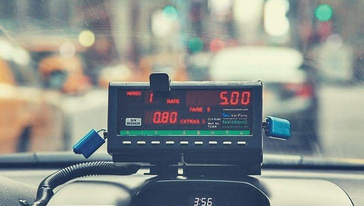 Goa: Taxi Meter न बसवण्यावर ठाम तर गोवा माईल्सहि रद्द करा: सुदीप ताम्हणकर