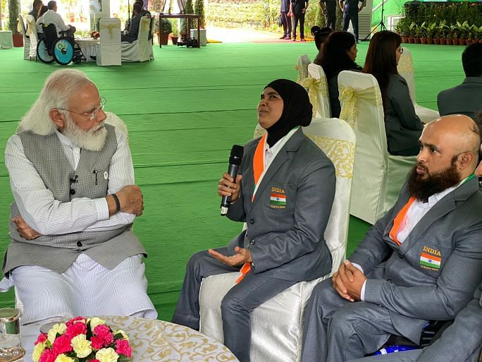 PM Modi in a chat with Sakina Khatun