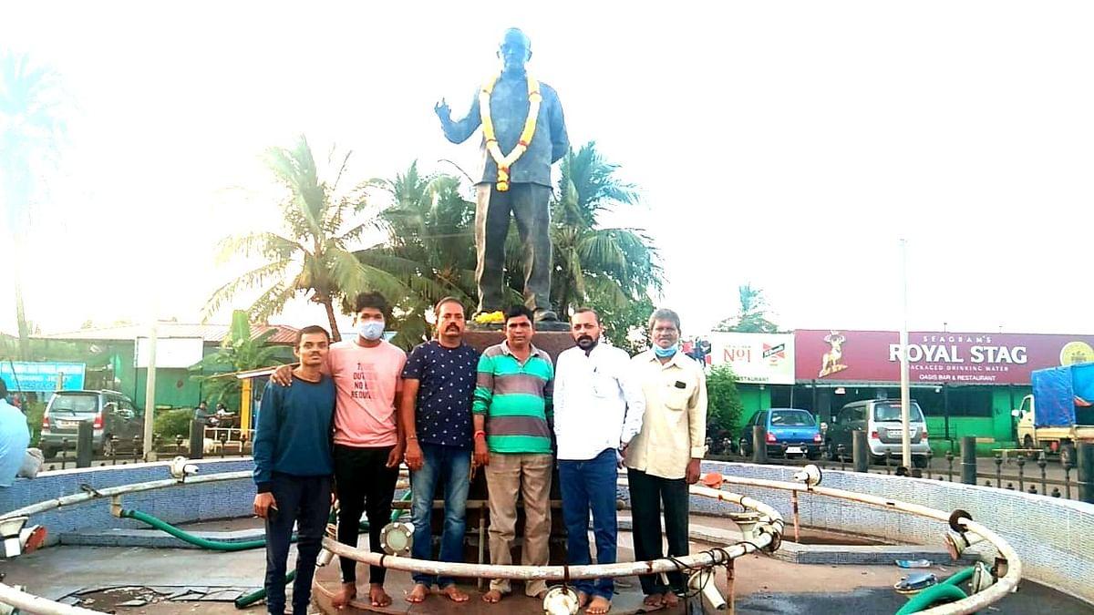 गाकुवेधच्या बैठकीत कुमेरी शेतीच्या दावेदाराना मार्गदर्शन करताना शंकर गावकर व बाजुला अन्य पदाधिकारी (Goa)