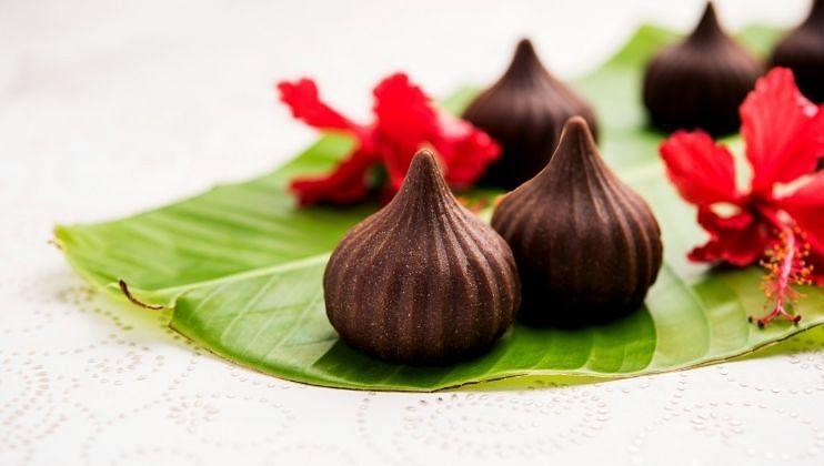 बाप्पांसाठी Chocolate Modak कसे बनवायचे
