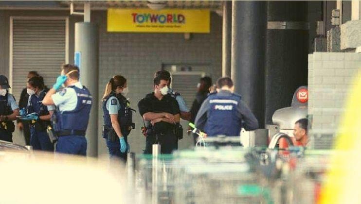 न्यूझीलंडमध्ये 'दहशतवादी' हल्ला! पोलिसांनी हल्लेखोराला केले ठार