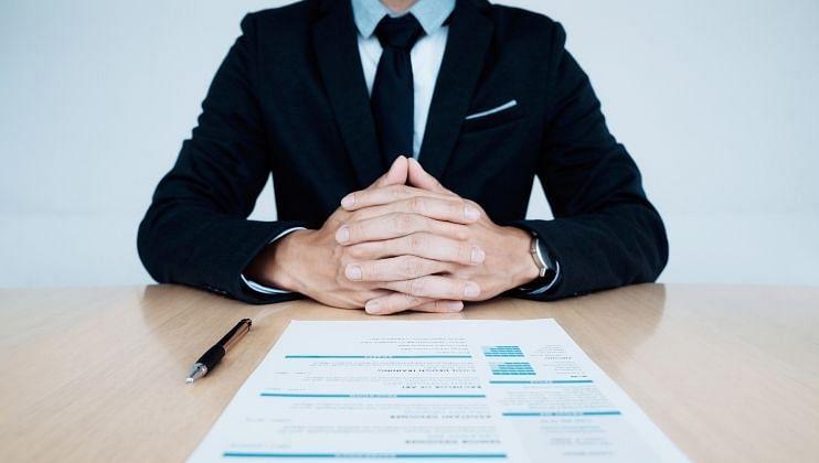 Vastu Tips: जर तुम्हाला नोकरीची चिंता सतावत असेल तर 'या' टिप्स करा फॉलो!