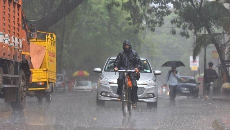 नैऋत्य मोसमी वारे अर्थात मॉन्सूनच्या (Monsoon) भारतातून परतीच्या प्रवासाला सुरुवात झाली आहे.