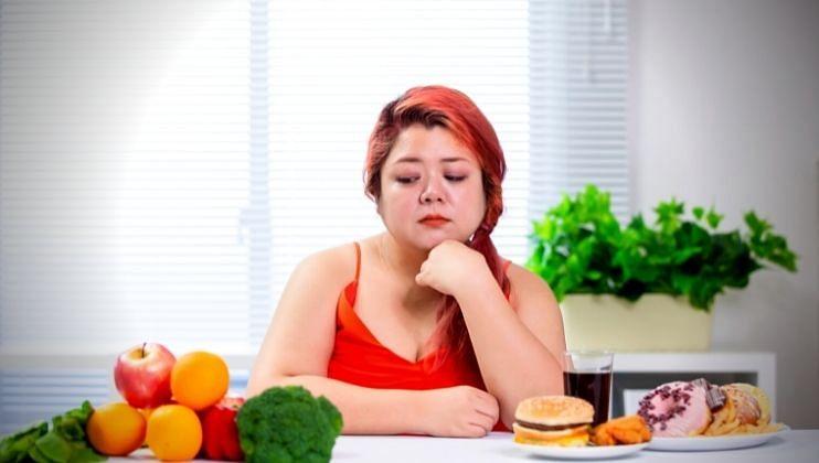 Health Tips: तुमच्या नैराश्याचं कारण ठरू शकतो तुमचा आहार, जाणून घ्या कसे